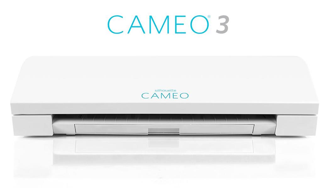 <p>Silhouette Cameo je digitalni kater za ličnu upotrebu, koji seče papir i druge materijale poput vinila, transfer papira itd. sa naprednijim senzorom za očitavanje markera.</p>