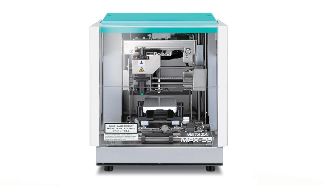 <p>Foto impakt štampač je uređaj široke primene od industrijskog obeležavanja do graviranja nakita. Dizajniran za jednostavnu upotrebu, staje na vaš desktop i dolazi opremljen dizajnerskim softverom.</p>