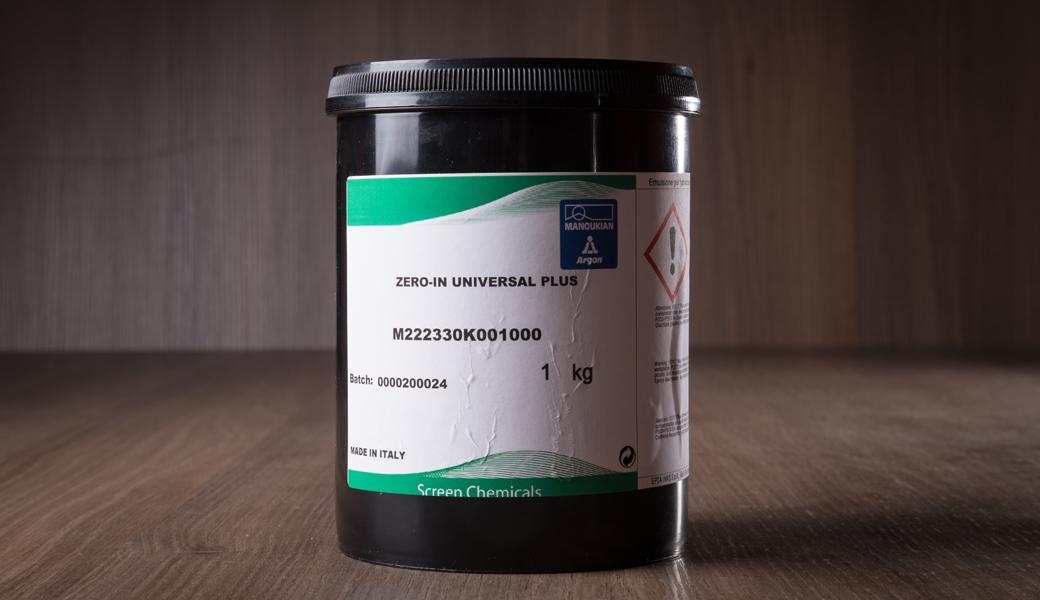 <p>Fotopolimer emulzija za izradu matrica u procesu sitoštampe, visoko kvalitetna, otporna na rastvarače.</p>