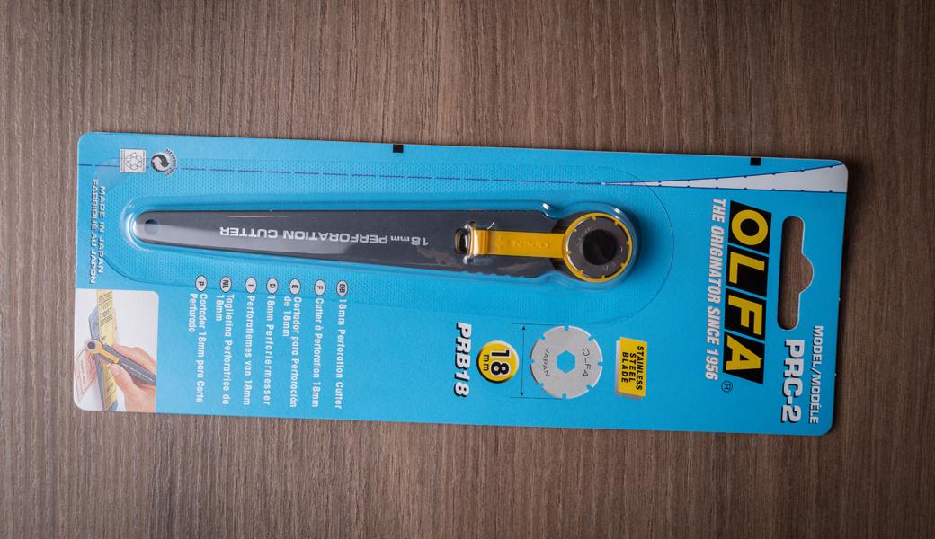 <p>Rotacioni skalpel za perforirano sečenje sa 18 mm nožem od nerđajućeg čelika.<br /> Za izradu karata i ostalih aplikacija koje zahtevaju perforaciju.</p>