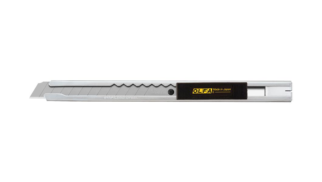 <p>Standard Duty skalpel savremenog dizajna, sa drškom od nerđajućeg čelika. Za sečenje tapeta, prozorske grafike, umetničkih i zanatskih aplikacija itd.</p>