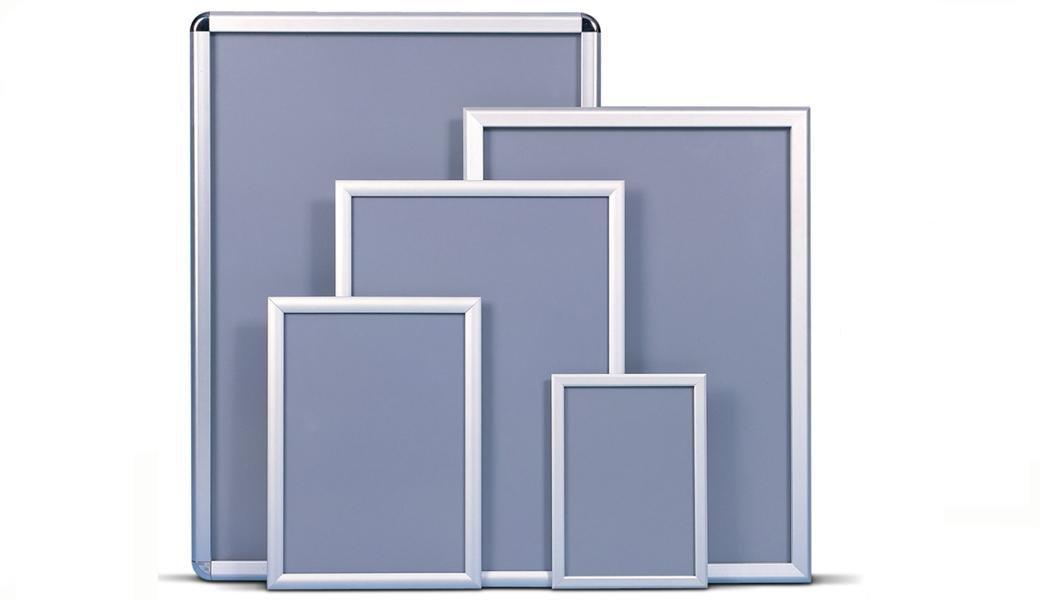 <p>Klik ram je idealno rešenje za brzu i jednostavnu promenu postera otvaranjem i zatvarenjem lajsne</p>