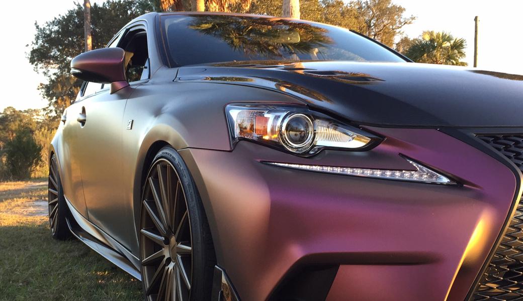 <p>970 Premium Shift Effect Cast &#8211; Novi materijali koji menjaju nijanse, što uzdiže oblepljivanje vozila na potpuno novi nivo. Usled efekta promene boje u zavisnosti od ugla gledanja moguće je dobiti jedinstveni izgled.</p>