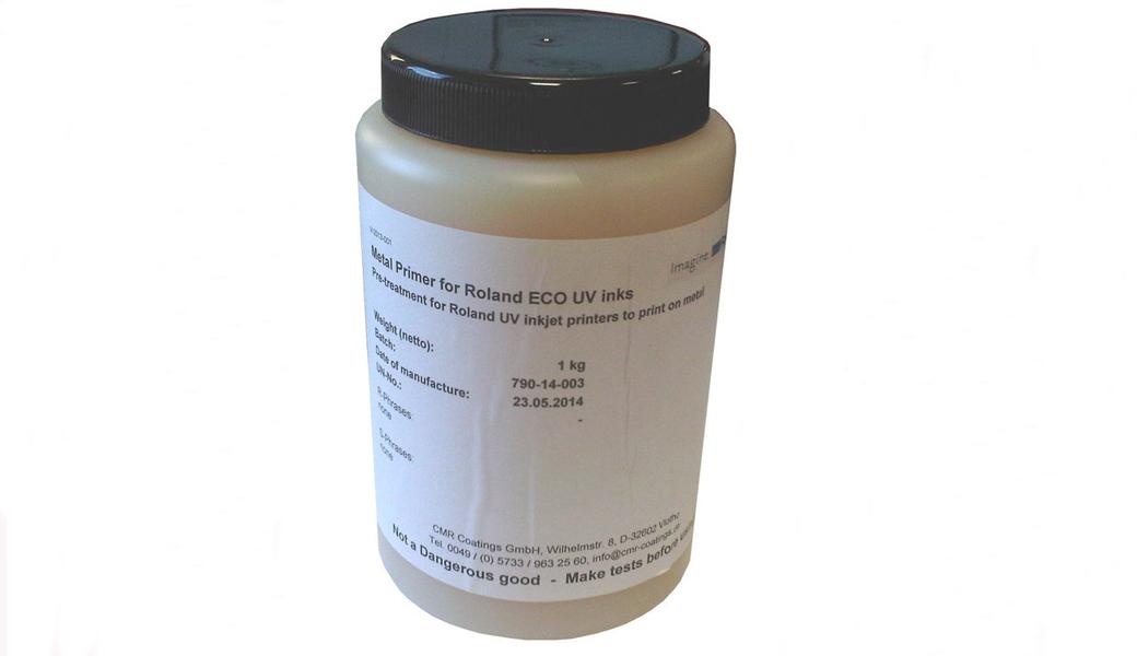<p>Roland CMR-790 prajmer za pripremu metalnih površina za UV štampu.</p>