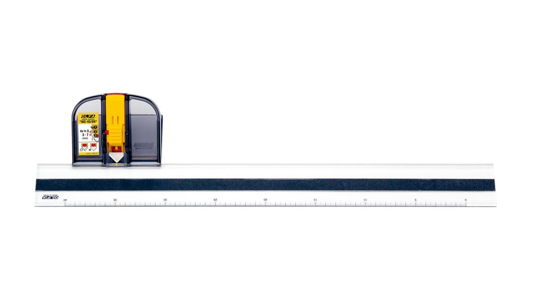 <p>Deluks skalpel za sečenje podloga ima posebnu mogućnost klizanja koje savršeno odgovara lenjiru.</p>