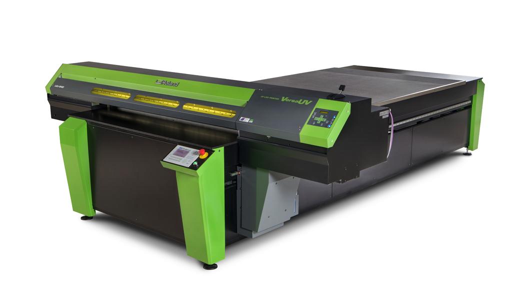 <p>LEJ-640FT fletbed UV printer donosi nenadmašne mogućnosti štampe i superiornu kompatibilnost sa najvećim brojem supstrata, uključujući teške, rigidne materijale do 15cm debljine, težine do 100kg.</p>