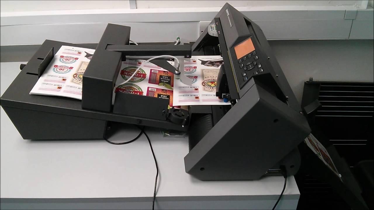 <p>F-Mark, za automatskoubacivanje materijala u kater, dodatak CE6000 seriji katera.Pogodan je za naknadnu obradu štampanih materijala, kreniranih uz pomoć štampe na zahtev, u malim produkcionim serijama, za pravljanje različitih proizvoda poput nalepnica, tabaka za prenos na tekstil za specijalnu sportsku opremu i POP reklamnu namenu.</p>
