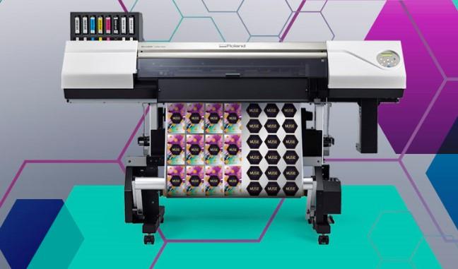 <p>VersaUV LEC2-300 je pristupačan UV printer/kater koji nudi visoki kvalitet štampe. Raznovrstan i visokoproduktivan, radi posao koji bi inače radilo više uređaja, direktnom štampom, sečenjem, bigovanjem i reljefiranjem na kartice, folije i druge materijale u jednom neprekidnom procesu.</p>